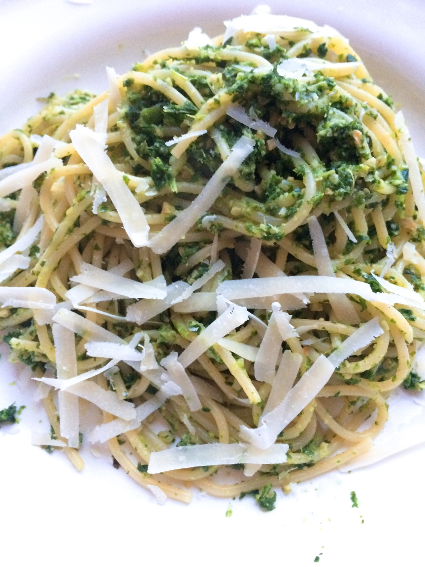 Kale pesto (vegan or vegetarian)