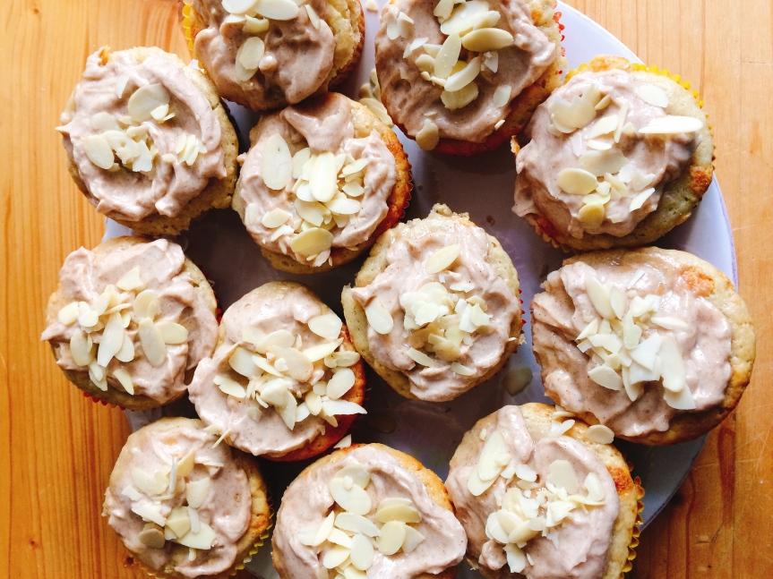 Banana cinnamon cupcakes