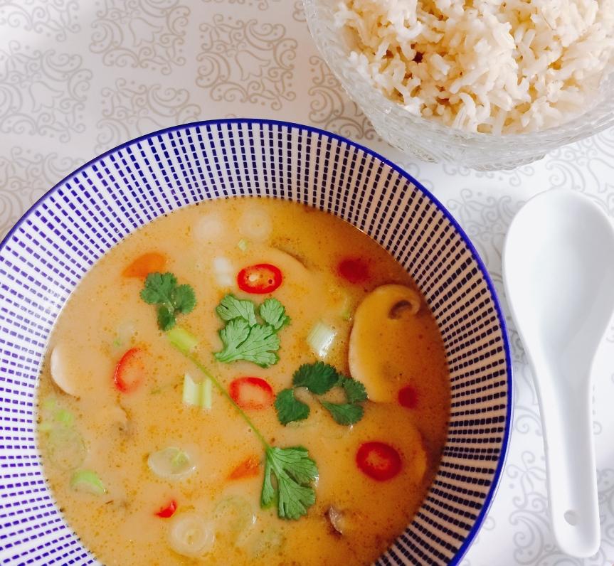 Tom kha gai (vegan, with meat orfish)